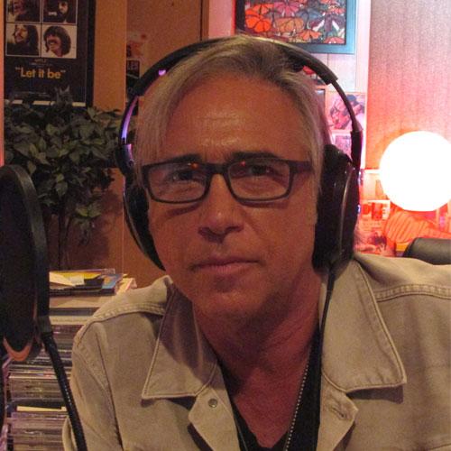 Host Chris Carter