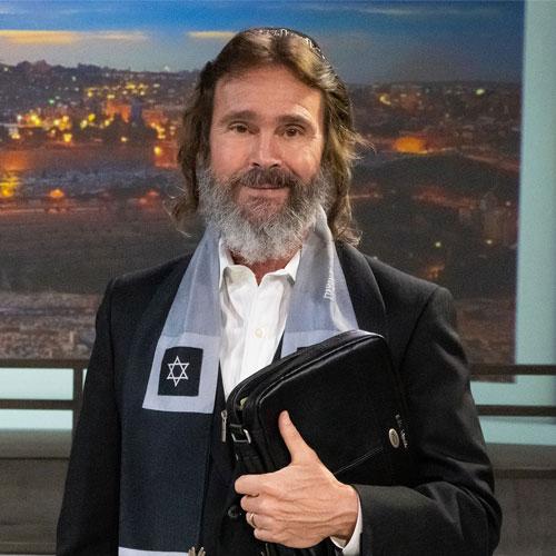 Image of Host Rabbi Kirt Schneider Family Talk